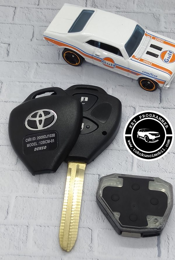 Remote Toyota 3 Tombol Innova Fortuner